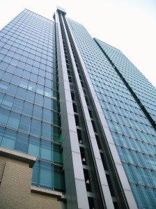 Izumi_Garden_Tower_outer_elevator